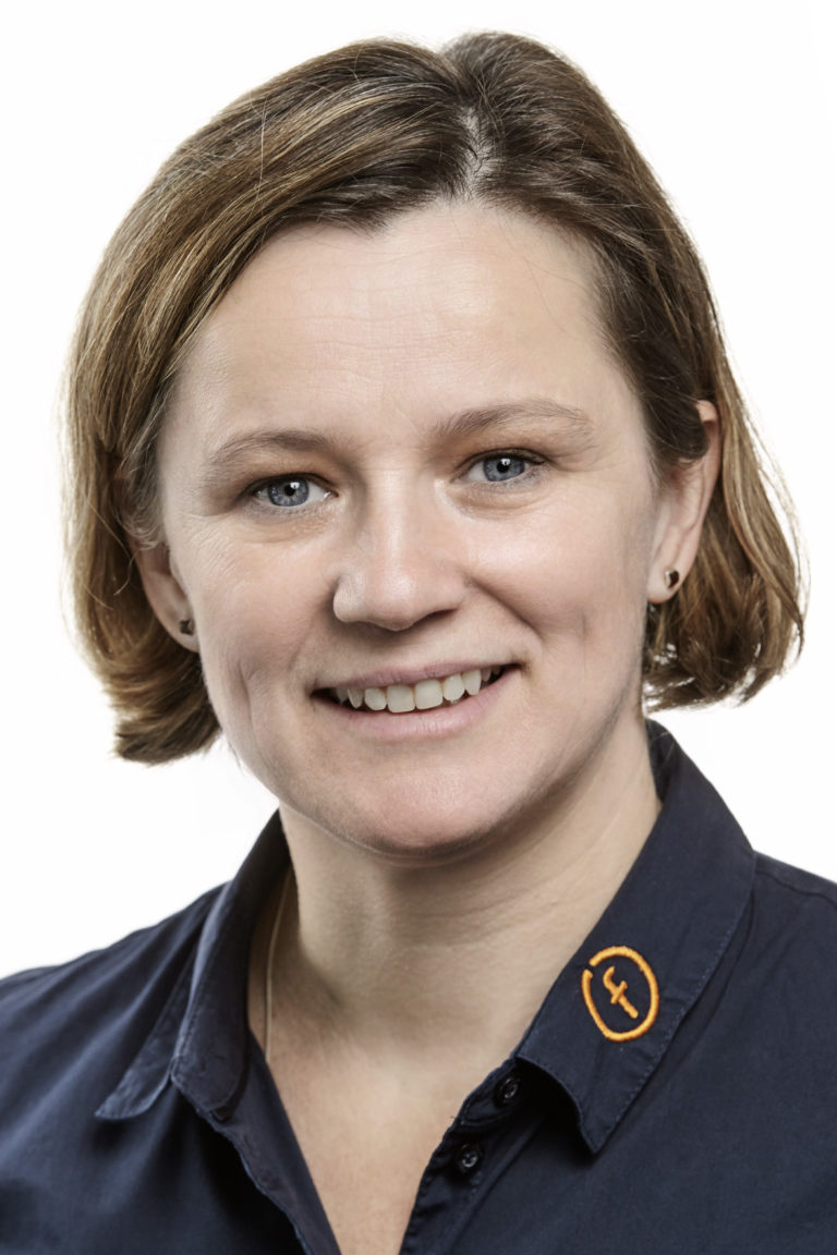 Doris Pinke | Prokuristin | Projektmanagement, Finanzen, Disposition